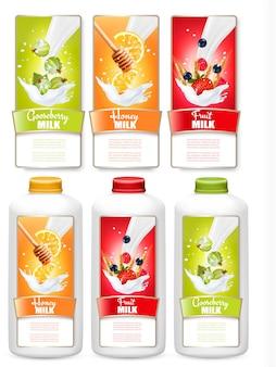 Satz von drei fruchtetiketten in milchspritzern und flaschen mit tags. stachelbeere, erdbeere, blaubeere, honig, orange. vektor