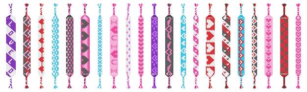 Satz von farbigen handgemachten hippie-freundschaftsbändern von fäden lokalisiert auf weißem hintergrund. valentinstag