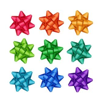 Satz von leuchtend roten scharlachroten orange gelben hellblauen azurblauen smaragdgrünen violetten violetten geschenkband-bögen schließen oben auf weißem hintergrund
