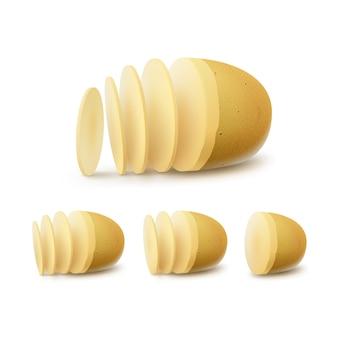 Satz von neuen gelben rohen geschnittenen kartoffeln schließen oben lokalisiert auf weißem hintergrund