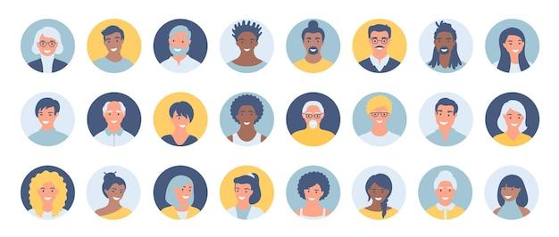Satz von personen, avataren, menschenköpfen unterschiedlicher ethnie und alter im flachen stil.