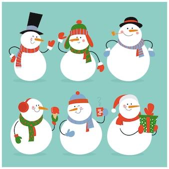 Satz winterurlaubschneemann in den verschiedenen kostümen