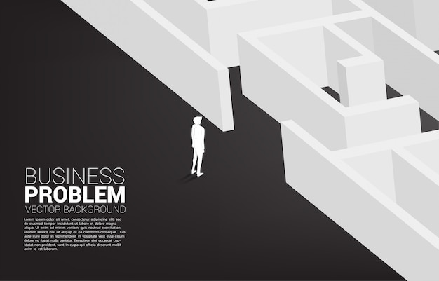 Schattenbild des geschäftsmannes bereit, zum labyrinth hereinzukommen