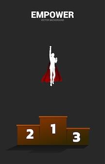 Schattenbild des geschäftsmannes, der vom podium fliegt. geschäftskonzept für start-up und schnell wachsendes unternehmen.