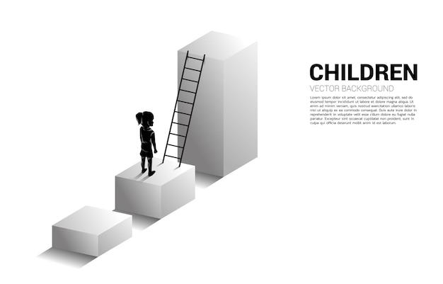 Schattenbild des mädchens, das auf balkendiagramm mit leiter steht. illustration der bildung und des lernens von kindern.