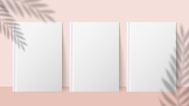 Schattenpflanze. überlagern sie den palmblatteffekt auf einem blatt papier. sommereinladung oder karte oder plakat. vektor minimalistisches unscharfes banner-modell. papierblatt mit palmblattschattenillustration