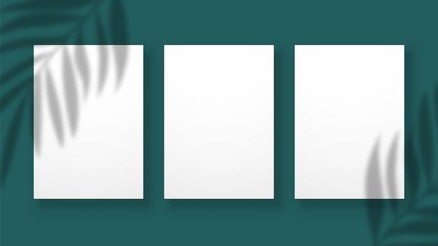 Schattenüberlagerungseffekt. verschwommene palmblätter auf papierbögen. vektoreinladung oder karte, plakat oder fahnenschablone. überlappungsmodellzweig, überlagerungsschattenillustration
