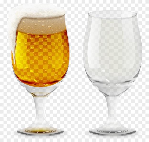 Schaumiges bierglas realistischer vektor, leeres und volles transparentes glas. alkoholgetränk symbol 3d-darstellung