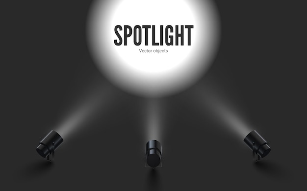 Scheinwerfer mit strahlend weißem licht. sammelt projektoren mit beleuchtungseffekt. set projektor für studio.