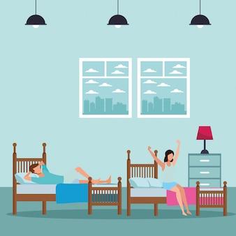 Schlafsaal mit zwei betten und gesichtslose personen