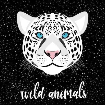 Schneeleopardenporträt und handgeschriebener schriftzug einzeln auf mangel. handgemachtes wildes tierzitat und handgezeichneter leopardenkopf für design-t-shirt, weihnachtskarte, einladung, broschüren, sammelalbum, album usw