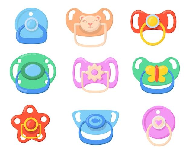 Schnuller-symbol für babyset. bunte plastikschnuller für kleine kinder mit schmetterlings-, bären- und blütenförmigen griffen. vektorillustrationen für kindheit, elternschaft, babypflegekonzept