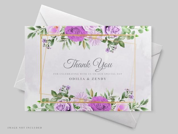 Schöne blumenhand gezeichnete hochzeitseinladungskartenschablone