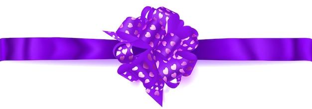 Schöne große horizontale schleife aus lila band mit kleinen glänzenden herzen mit schatten auf weißem hintergrund