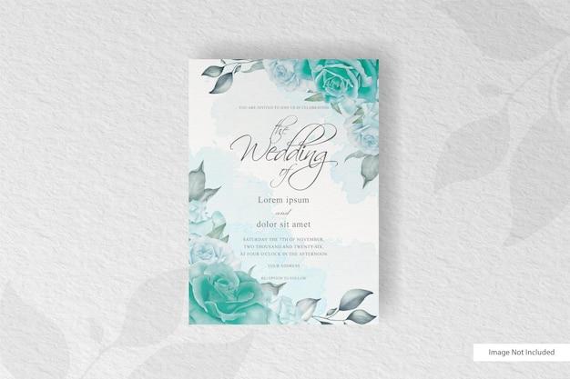 Schöne hochzeitseinladungskarte mit grünblumen- und aquarellspritzer