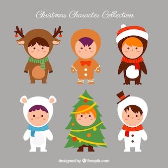 Schöne kinder mit weihnachtskostümen