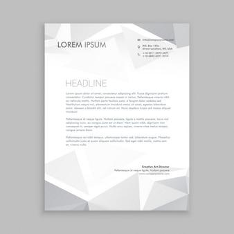 Schöne low-poly-briefpapier-design