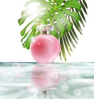 Schöne rosa parfümflasche auf einem hintergrund von wasser und den blättern von palmen. sommer hintergrund. vektor-illustration