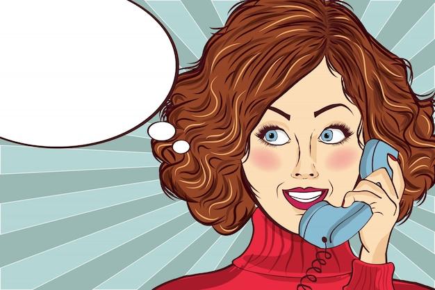 Schöne rothaarige dame, spricht zu einem retro-telefon
