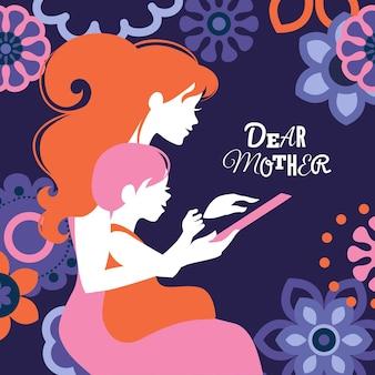 Schöne silhouette von mutter und baby, die tablette suchen. karte zum muttertag