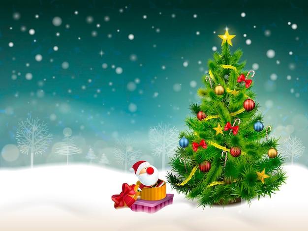 Schöner verzierter weihnachtsbaum und geschenke im schneehintergrund