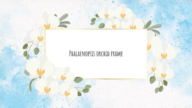 Schöner weißer phalaenopsis-orchideenkranz mit goldenem rahmen auf blauem aquarell-spritzer