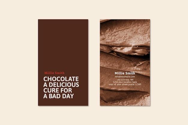 Schokoladen-visitenkarten-vorlagenvektor in braun mit zuckerguss-textur