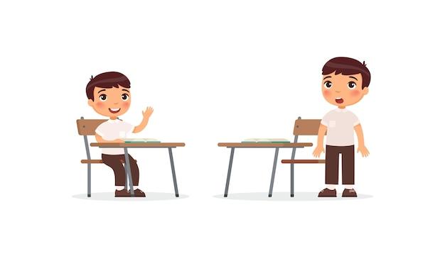 Schüler im unterrichtsset. schuljunge, der hand im klassenzimmer für antwort erhebt, verwirrte schüler, die aufgabenlösungs-zeichentrickfiguren denken. grundschulprozess