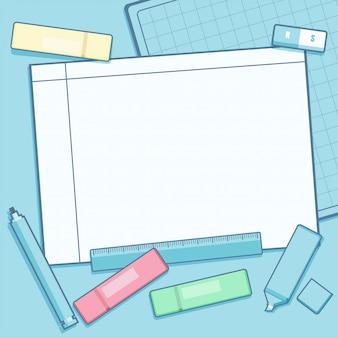 Schul- oder bürozubehör und leerer notizblock