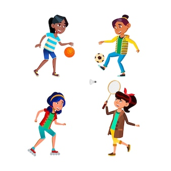 Schulmädchen, die sport-spiel-aktiven satz spielen. schulmädchen, die basketball und fußball spielen, rollen reiten und badminton spielen.