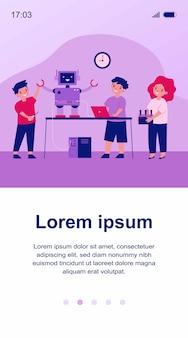 Schulrobotikprojekt. gruppe von kindern mit laptop und fernbedienung, die cyborg schaffen, humanoiden roboter darstellend. illustration für kindheitsaktivität, bildung, innovationskonzept
