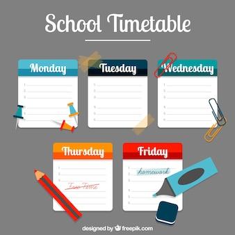 Schulzeitplan mit notizen und zubehör
