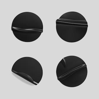 Schwarz geklebte runde zerknitterte aufkleber gesetzt