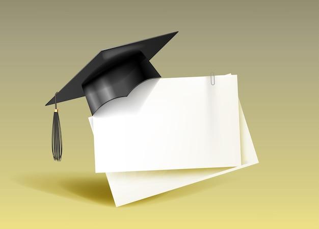 Schwarze pädagogische studentenmütze und leer. graduiertenkolleg, gymnasium oder universitätskappe.