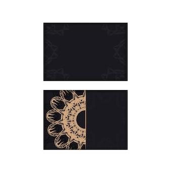 Schwarze postkarte mit luxuriöser brauner ornamentik vorbereitet für typografie.