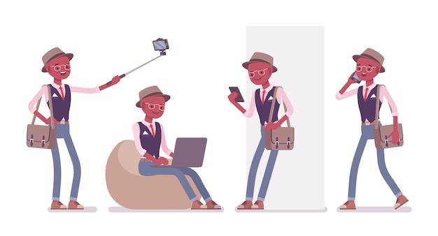 Schwarzer intelligenter kluger lässiger mann, der hut, brille mit gadgets trägt. schlanker und modisch eleganter junge mit umhängetasche, die mit computer, handy arbeitet. stil cartoon illustration