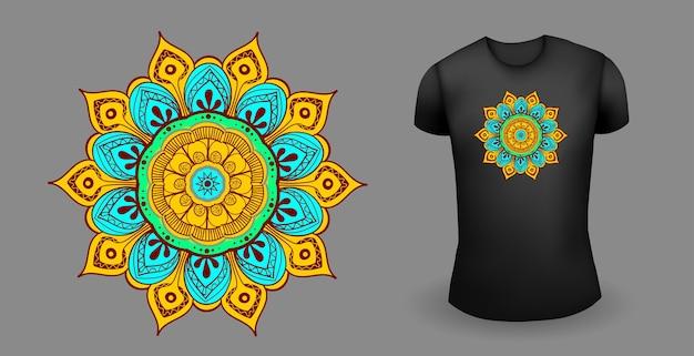 Schwarzes männliches realistisches t-shirt mit mandalavektor