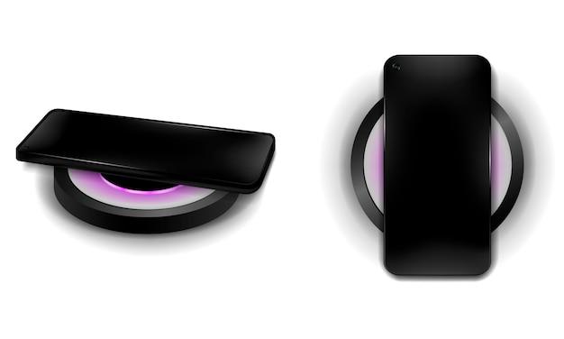 Schwarzes telefon beim kabellosen laden auf isoliertem hintergrund, draufsicht und seitenansicht, realistisches smartphone und kabelloses laden, illustration
