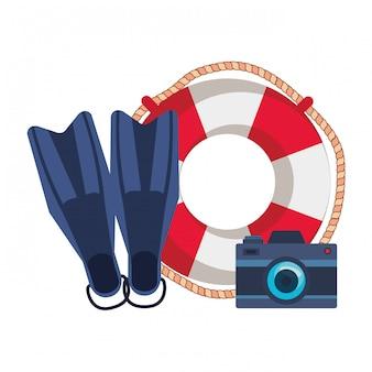 Schwimmer mit kamera und taucherflossen