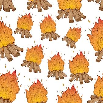 Seamless pattern of campfire mit skizzenhaften stil auf weißem hintergrund