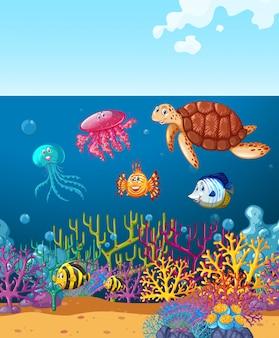 Seetiere, die unter dem ozean schwimmen