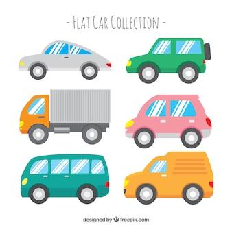 Seitenansicht von sechs autos mit glänzenden fenstern