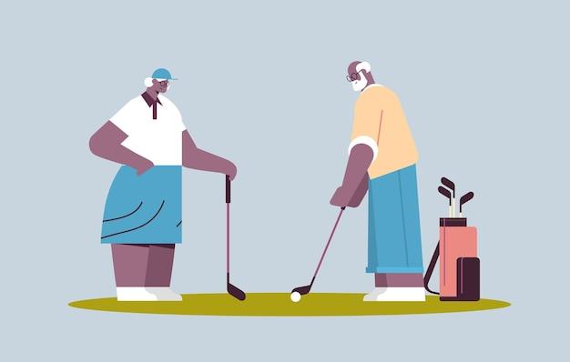 Senior frau mann paar golf spielen im alter von afroamerikanischen familienspielern, die einen schuss aktives alterskonzept horizontale vektorillustration in voller länge machen