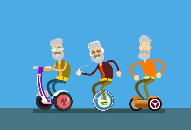Senior man group fahrt segway motor fahrrad