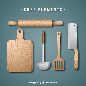Set aus hölzernen küchenwerkzeugen