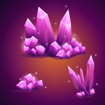 Set aus magischen diamantkristallen in verschiedenen formen