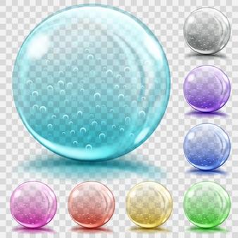 Set aus transparenten glaskugeln in verschiedenen farben mit luftblasen, blendungen und schatten. transparenz nur in vektordatei