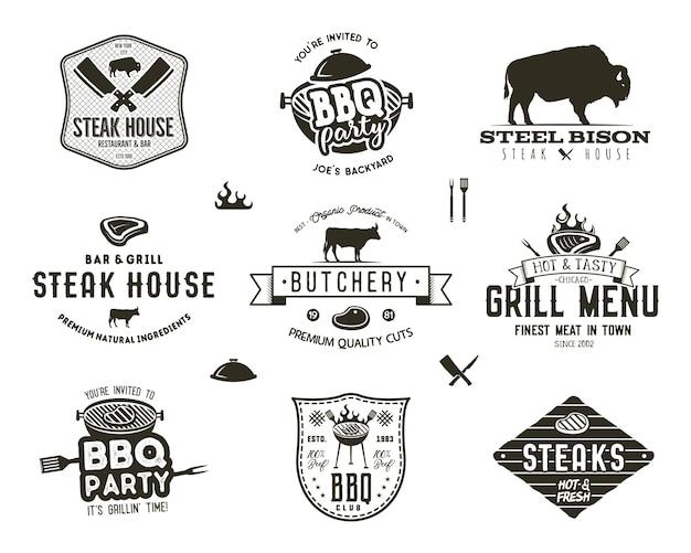 Set aus vintage-steakhaus, grillparty, grillabzeichen, etiketten. retro-typografie handgezeichneter stil. metzger-logo-design mit buchdruck-effekt. vektor-illustration isoliert auf weißem hintergrund.