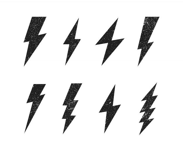 Set blitz mit grunge-textur. blitz, blitzschlag. moderner flacher stil