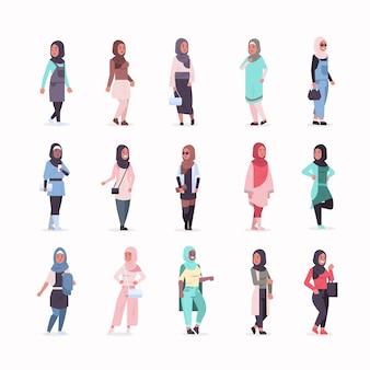 Set ic frauen in hijab verschiedene arabische mädchen tragen kopftuch traditionelle kleidung weibliche comicfiguren sammlung in voller länge flach